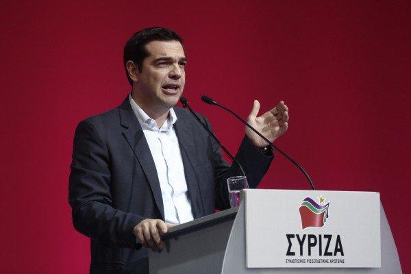 ЕЦБ поддерживает радикалов СИРИЗА в Греции, но долгов стране не простит
