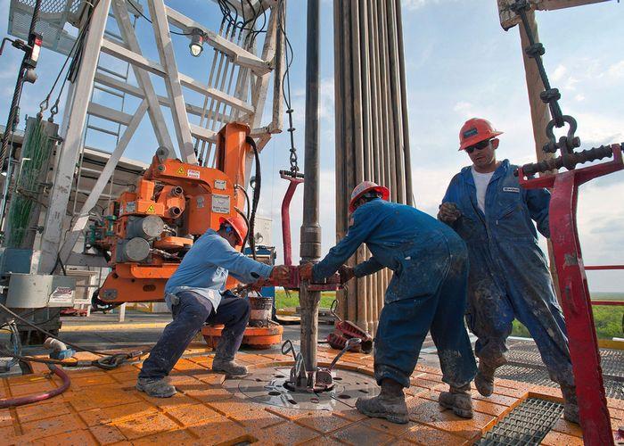 Сланцевая революция в США может обвалить цены на нефть, - МВФ