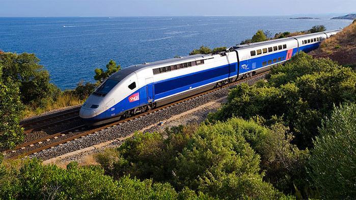 Забастовки во Франции: железнодорожный трафик сократился на 40%