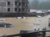 Улицы Сочи уходят под воду (видео и фото)
