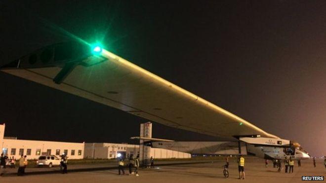 Попытка Solar Impulse перелететь Тихий океан временно отложена
