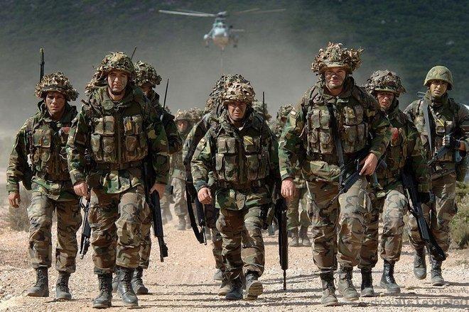 Военнослужащих Британиизадержали по подозрению в терроризме