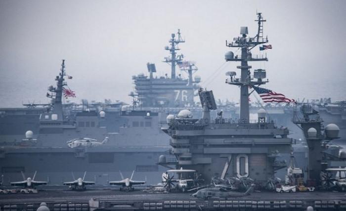 США планируют развернуть два авианосца в водах Корейского полуострова