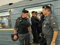 Стрельба в Москве: пассажир метро ранил двух охранников