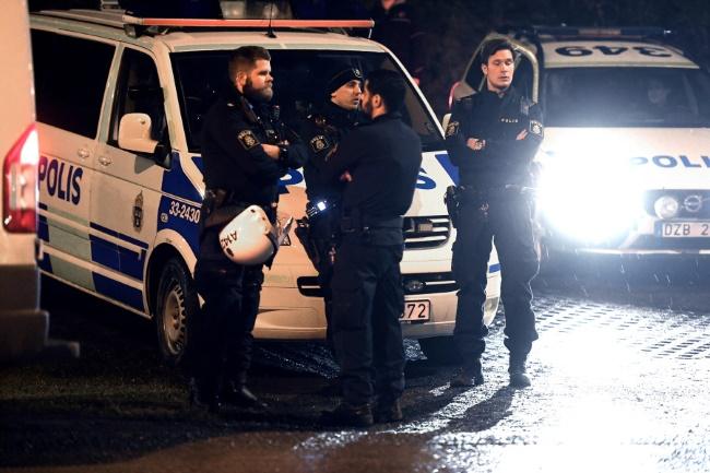 Стрельба в столице Швеции: два человека ранены