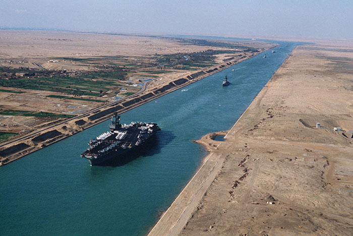 Новый Суэцкий канал введут в эксплуатацию в начале августа