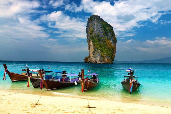 Таиланд временно отменяет плату за туристические визы