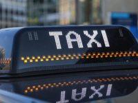 Таксисты подняли«минималку» и требуютдоплаты за пробки