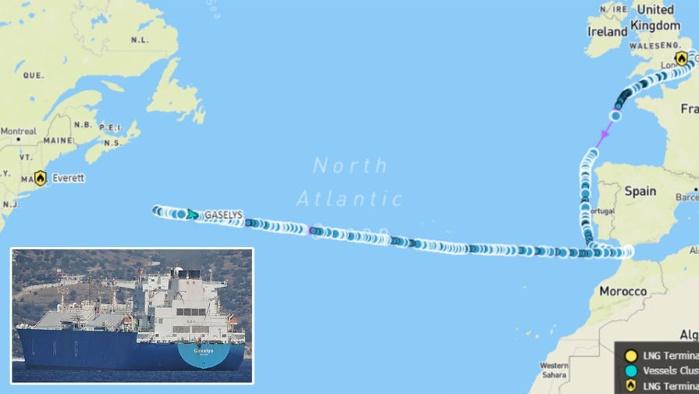 Танкер с российским газом для США изменил курс посреди Атлантического океана