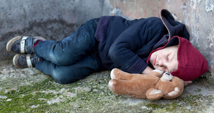 Тереза Мэй получила обвинение в том, что на улицах Лондона живут 2500 бездомных детей