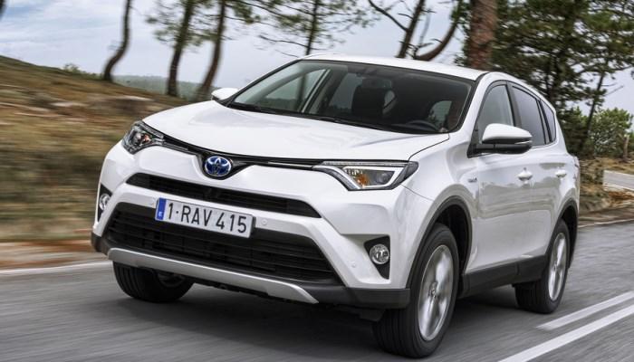 Toyota отзывает 141 тысячу кроссоверов в России