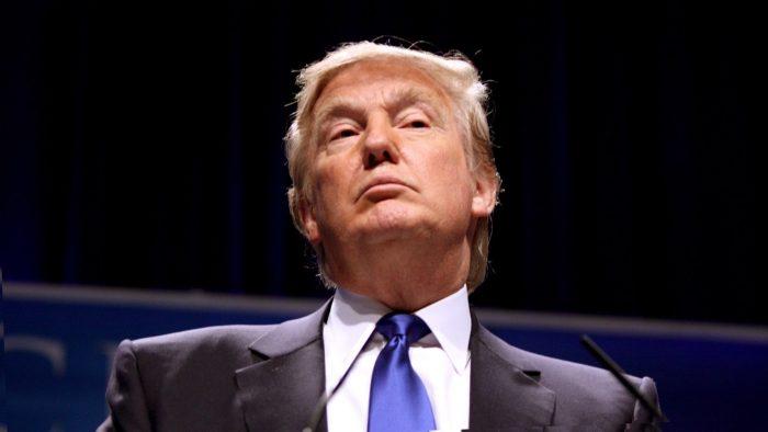 Трамп может ввести новые санкции против Ирана и РФ за поддержку Сирии