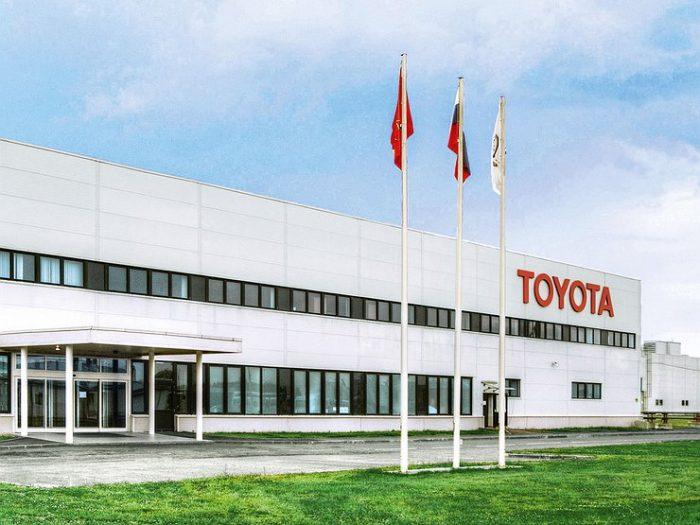 Трамп угрожает Toyota из-за мексиканского завода