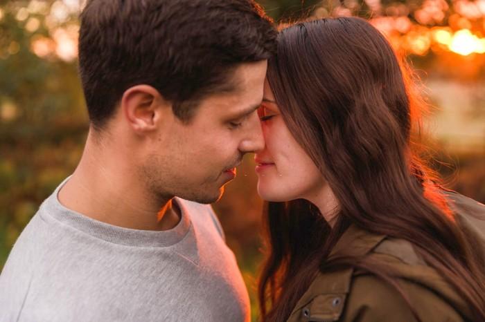 Как правильно целоваться с парнем, девушкой Платонический поцелуй фото fdlx