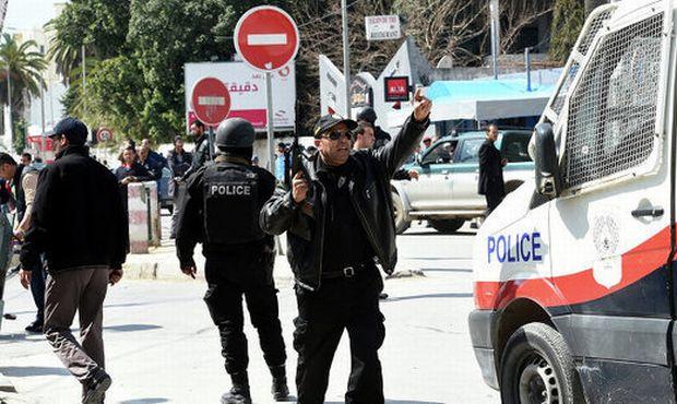 В Тунисе террористы напали на отель - погибло 27 туристов