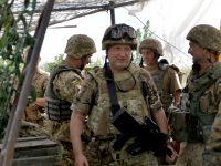 Турчинов призывает Кабмин увеличить зарплаты военным до уровня НАТО