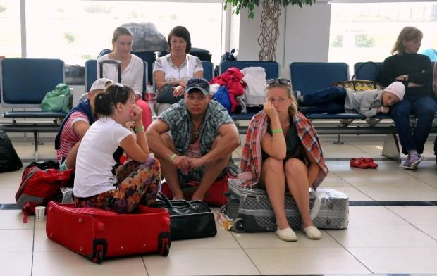 Занавес времен СССР: в России хотят ввести выездные визы