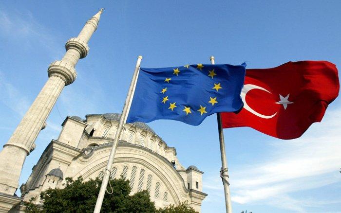 Безвизовый режим между Евросоюзом и Турцией откладывается