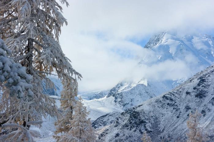 Тысячи людей застряли по дороге во Французские Альпы