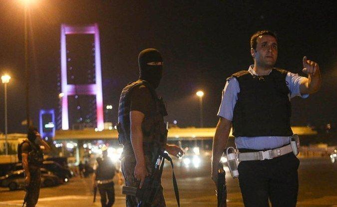 Последствия неудавшегося военного переворота в Турции: убытки оцениваются в 100 млрд долларов