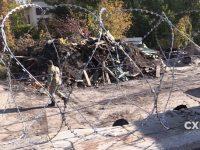 Земельный участок Порошенко взяли под охрану иогородили колючей проволокой