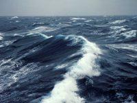 Ученые: микроскопические волокна пластика – основной источник загрязнения океана