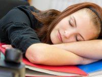Ученые выяснили, как отсутствие или избыток сна сказываются на здоровье мозга