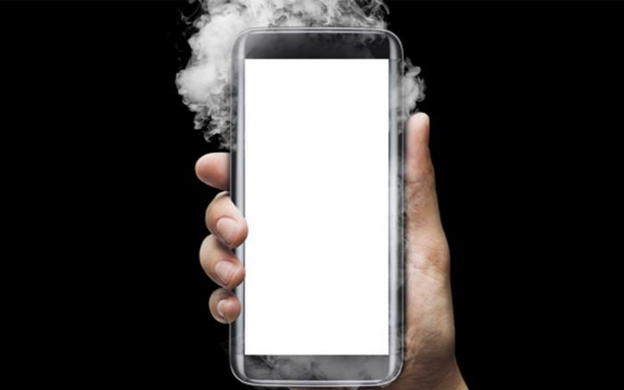 Ученые выяснили, почему взрываются литий-ионные аккумуляторы смартфонов