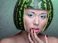 Украинцы боятся покупать арбузы: симптомы отравлений ягодой