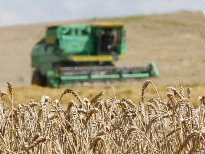 Украинские аграрии сделали предоплату за 300 тыс. тонн удобрений