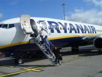 Украинский безвиз на практике: без обратного билета могут снять с рейса