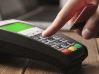 Укрпочта будет принимать платежи банковскими картами