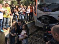 """""""Укрзализныця"""" отдает деньги пассажирам, которые ехали поездом с Саакашвили"""