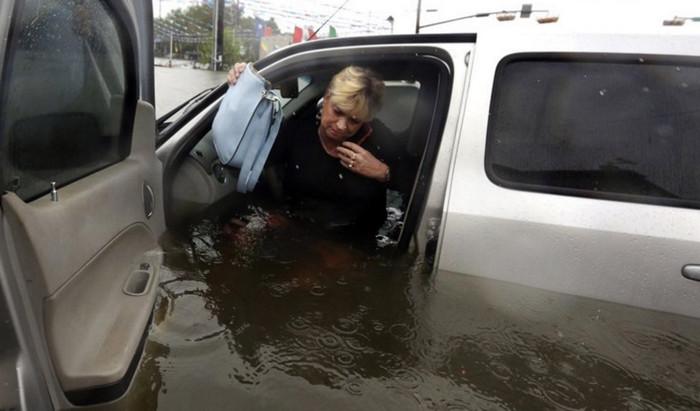 """Ураган """"Харви"""" не смог отключить мобильную связь в Техасе"""