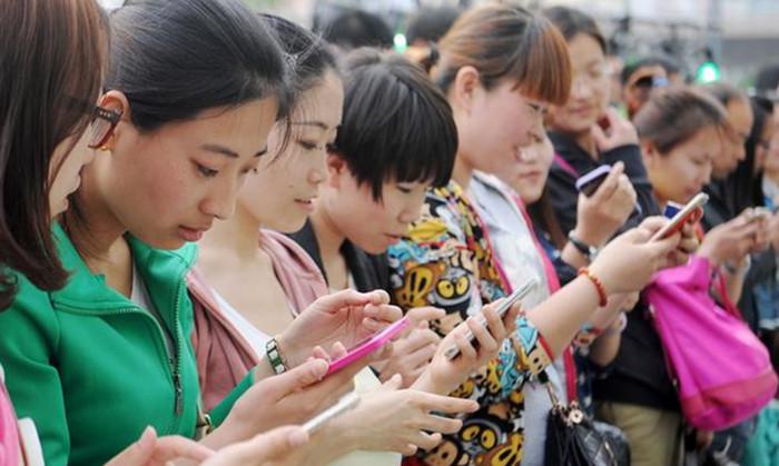 В 2016 году 695 млн китайцев использовали смартфон для доступа в Интернет