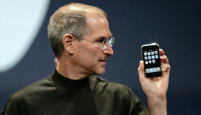 В Apple отмечают десятилетие iPhone