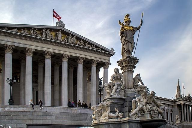 В Австрии открылись первые участки для голосования на досрочных выборах в Национальный совет