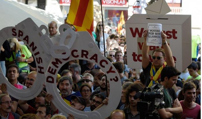 В Барселоне вспыхнули протесты после ареста каталонских чиновников