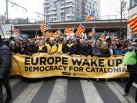 """В Брюсселе прошла масштабная акция каталонцев """"Европа, пробудись!"""""""