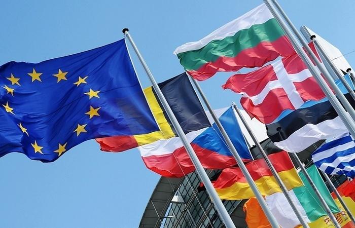 В ЕС мнения разделились: Италия - за отмену санкций против России, Великобритания и Польша - за усиление их