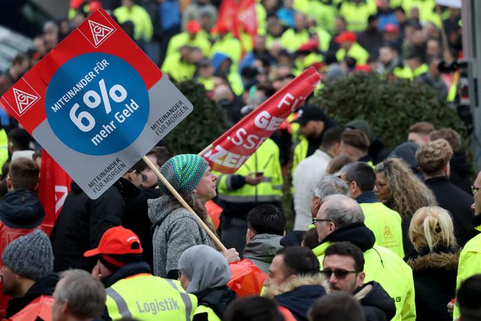 В Германии планируется общенациональная забастовка работников промышленности