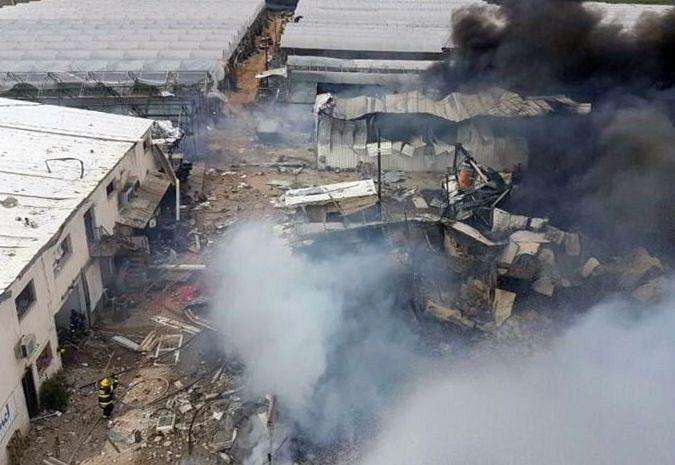 В Израиле произошел взрыв на пиротехническом заводе: есть погибшие и раненые (видео)
