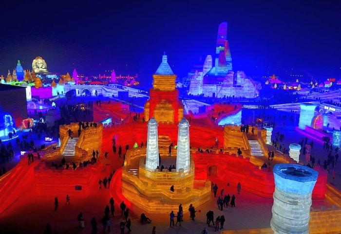 В Китае проходит 33-й международный фестиваль льда и снега (фото)