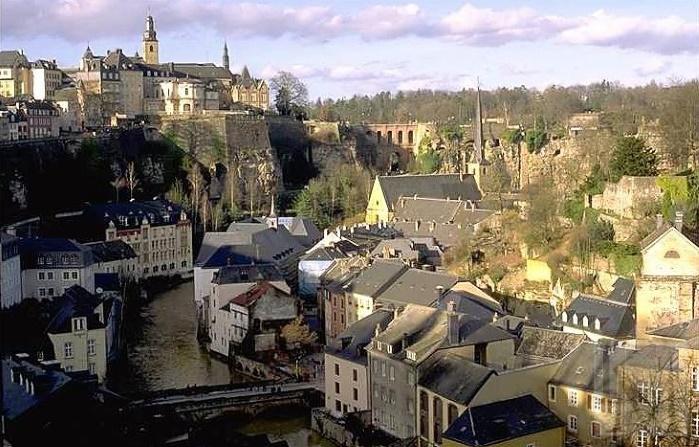 В Люксембурге взорвался жилой дом, есть раненые