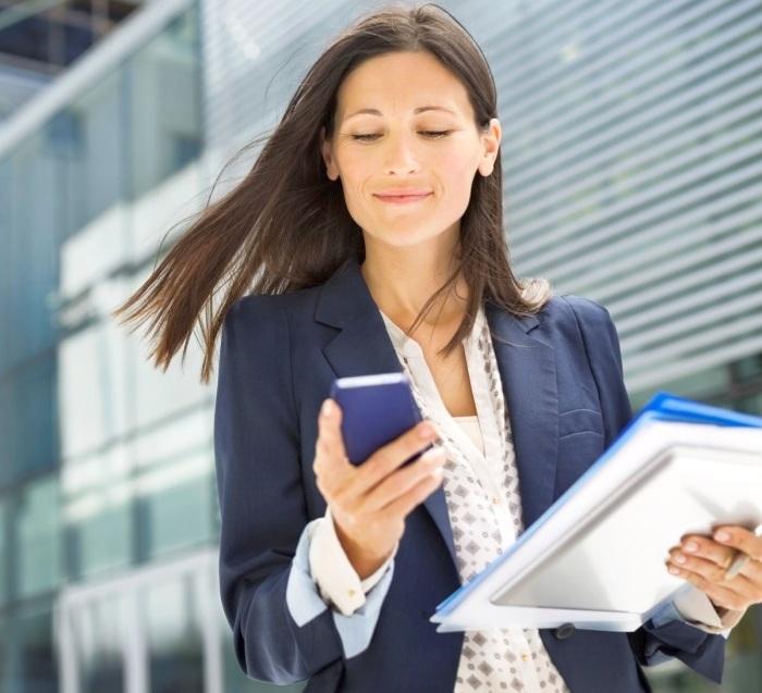 В мире женщины работают больше мужчин, - Всемирный экономический форум