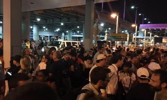 В Нью-Йорке терминал аэропорта Кеннеди эвакуировали: информация о стрельбе не подтвердилась