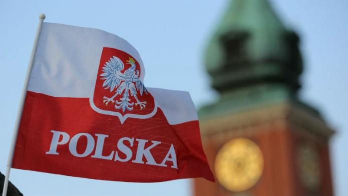 В Польше украинцам увеличили зарплаты и поощрения