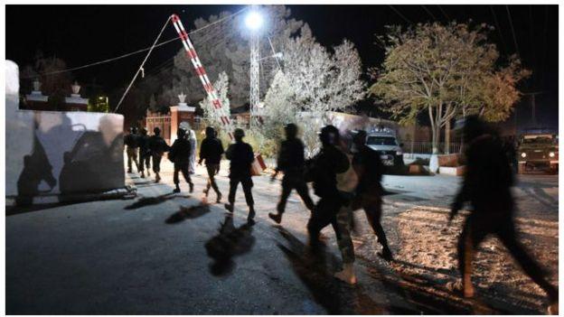 v-rezultate-terakta-v-policejskoj-akademii-v-pakistane-pogibli-59-chelovek-foto4