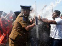 В Шри-Ланке люди протестуют против китайских инвесторов