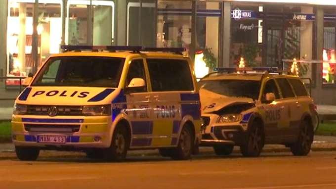 В Швеции взорвали машину полиции